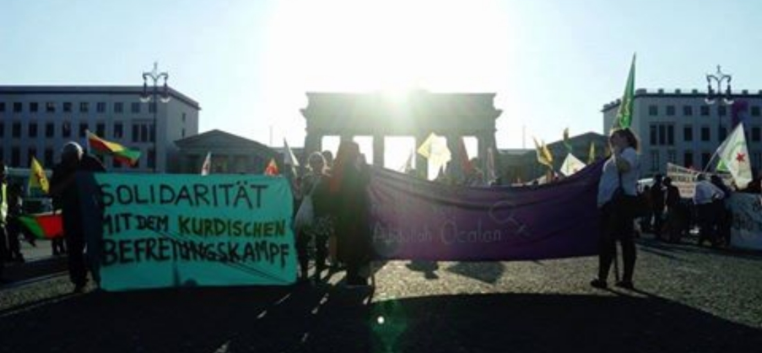 [Berlin] Kundgebung vor der US-amerikanischen Botschaft – Solidarität mit Rojava