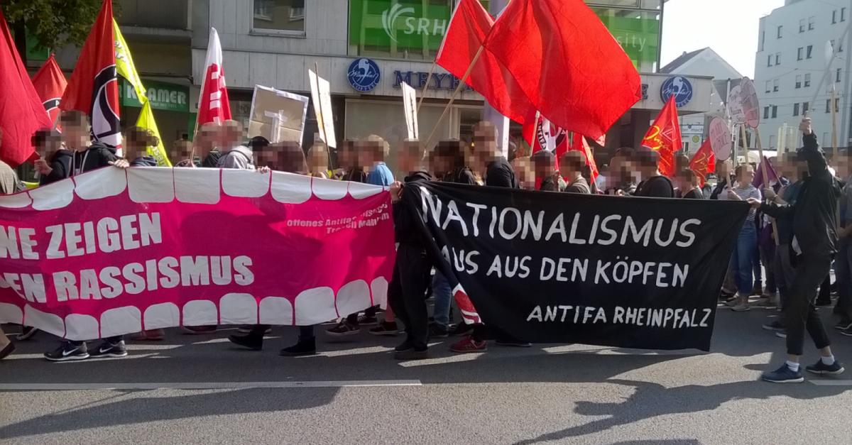 Lautstarke Demo gegen Rassismus in Mannheim