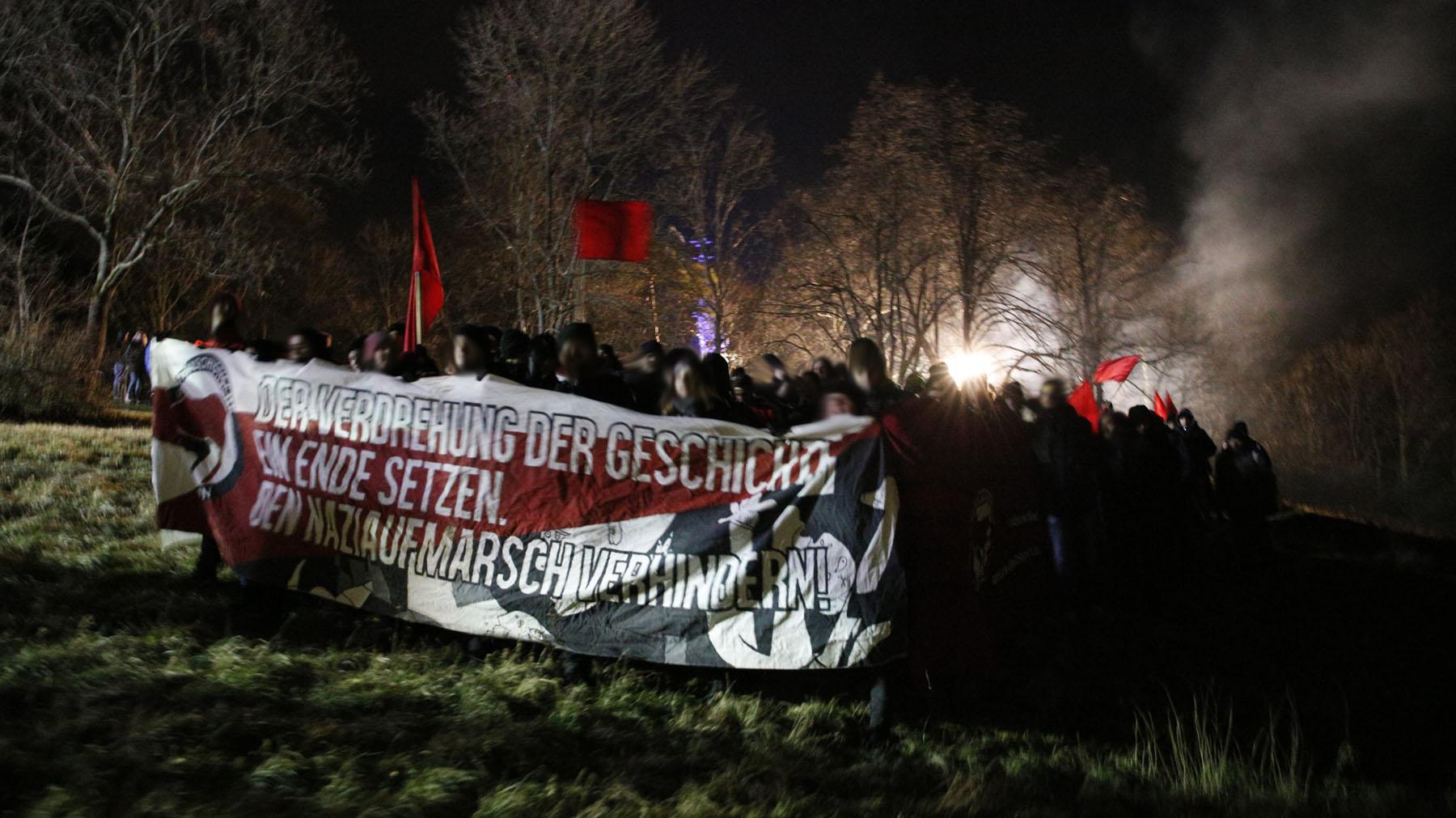Nicht lange Fackeln – Bericht des AABS über die Aktionen gegen den Fackelmarsch in Pforzheim