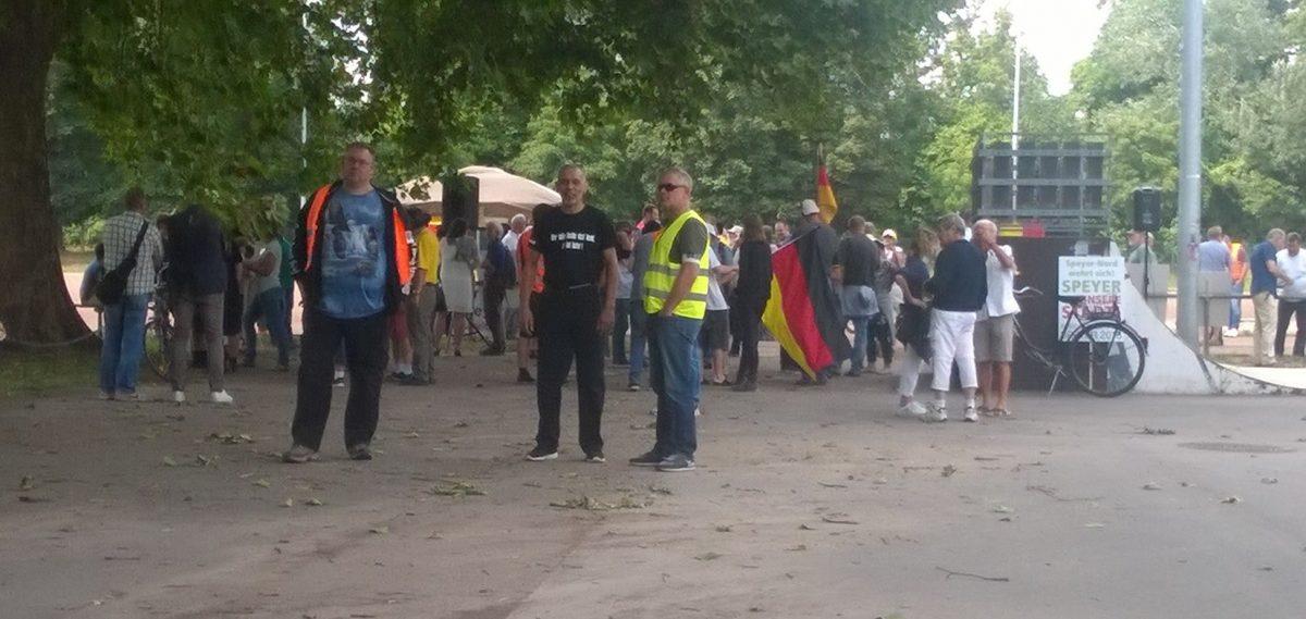 Die übliche Hetze heute beim Naziaufmarsch in Speyer